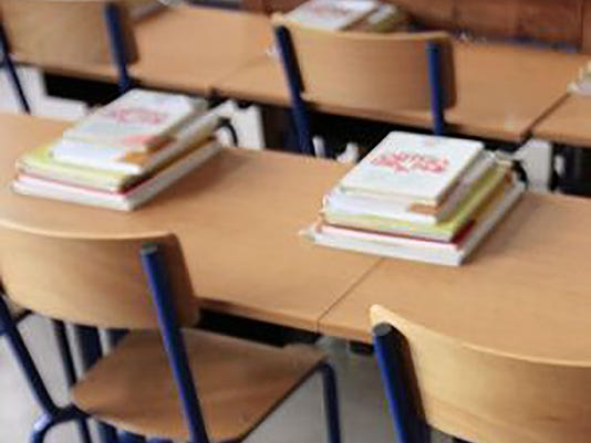 635806055872728986-635751386257685588-school-books-desks