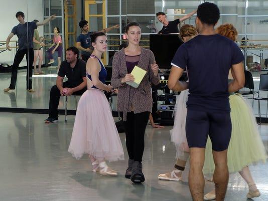 636120391050413770-julie-ballet-3-1-.jpg