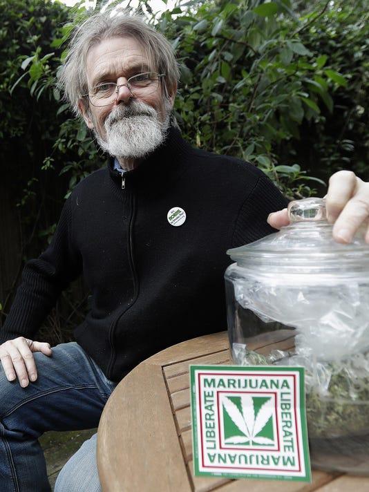 California Marijuana Open For Business (2)