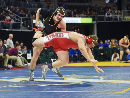 636550106143544623-Wrestling-state-championships-005.JPG
