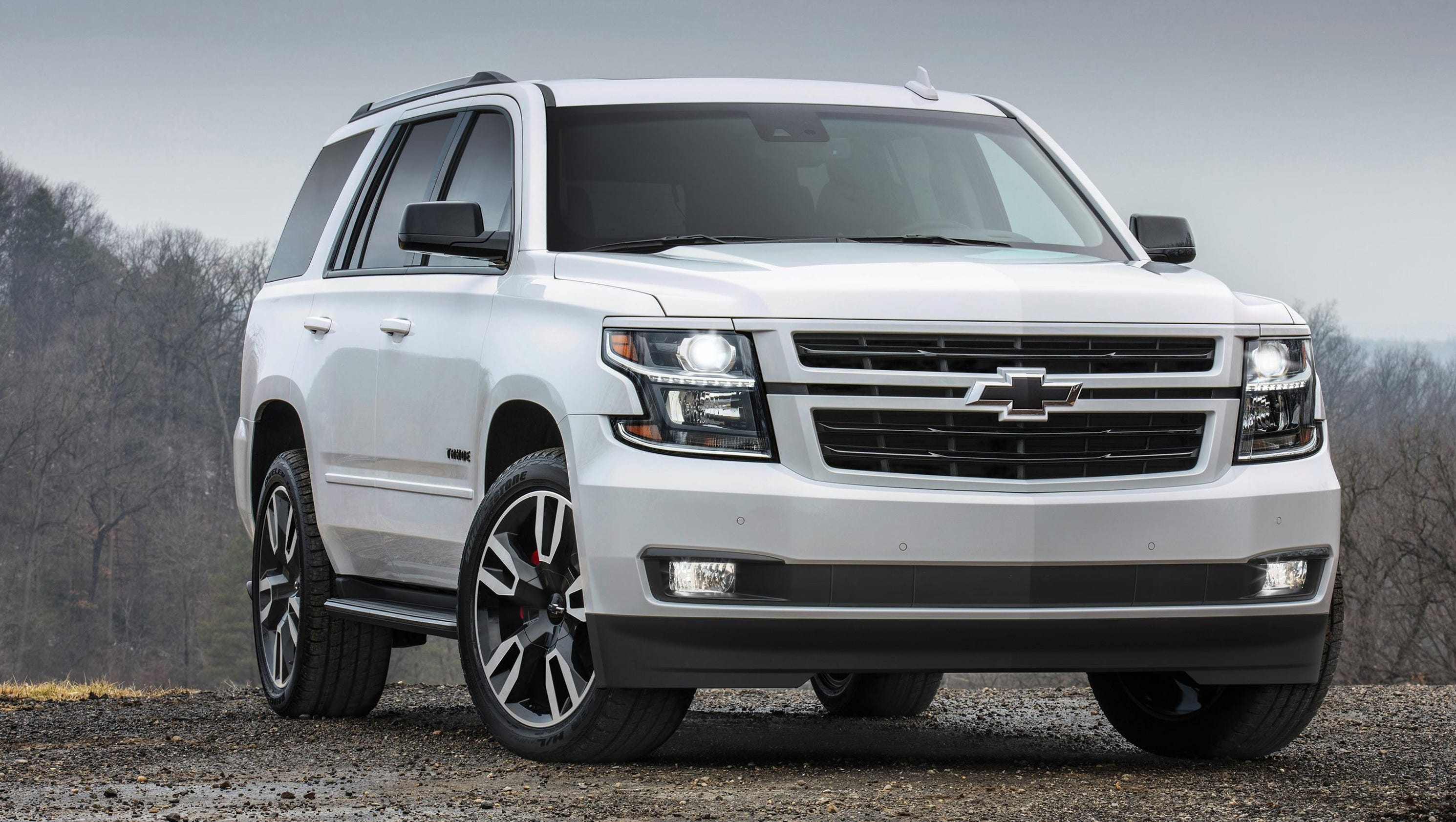 chevy boosts suvs with new tahoe suburban rst. Black Bedroom Furniture Sets. Home Design Ideas