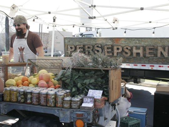 Jason Dwight runs the Persepshen truck with wife Katherine.