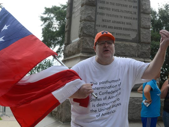 Scott Mayo vocalizes his support for keeping the Confederate