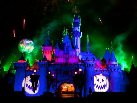636404805696934024-blue-castle-halloween-fireworks.jpg