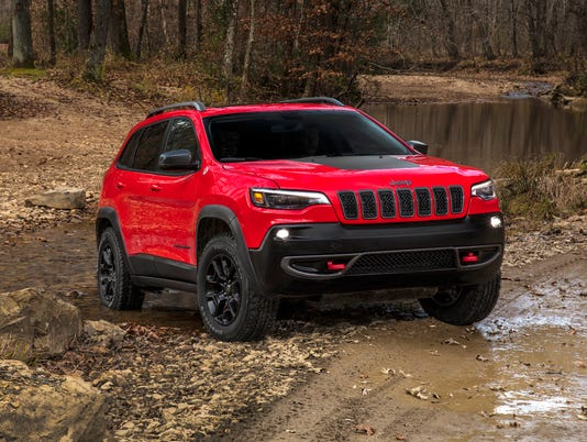 636516256874309879-2019-Jeep-Cherokee-25.JPG