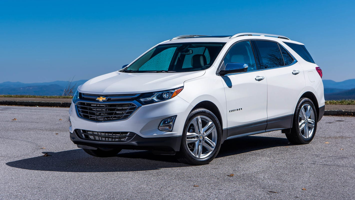 review 2018 chevrolet equinox proves less is more. Black Bedroom Furniture Sets. Home Design Ideas