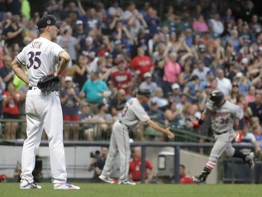 Twins_Brewers_Baseball_60916.jpg