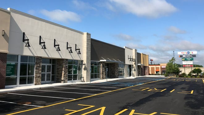 A newly-designed restaurant and retail center will bring a First Watch, Naf Naf and Chipotle to Churchmans Road.