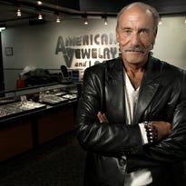Detroit reality star Les Gold faces cooking challenge of 'Chopped'
