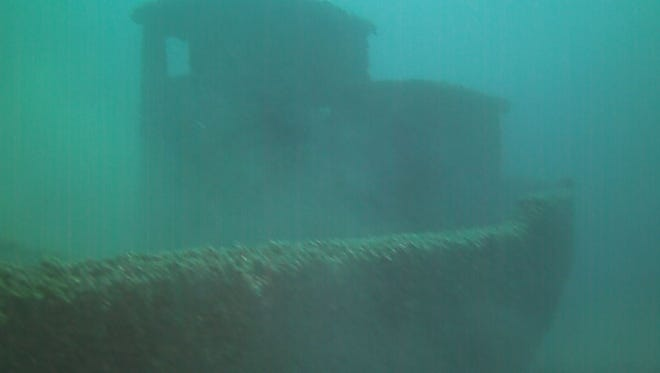 Muskegon treasure hunters find undiscovered shipwreck in Lake Michigan.
