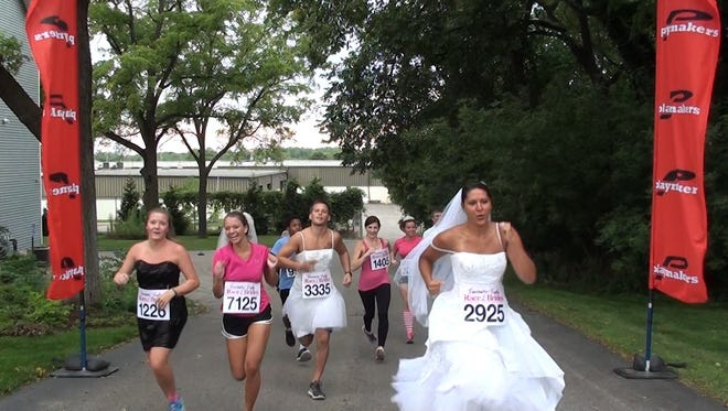 The Race of the Brides 5K on Oct. 25, organized by Fantastic Finds formal wear shop, will raise funds for the Susan G. Koman Foundation.