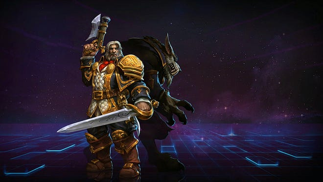 Genn Greymane quickly switches from long range to melee thanks to his shape-shifting ability.