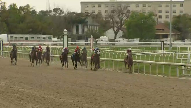 Action from the Louisiana Derby.