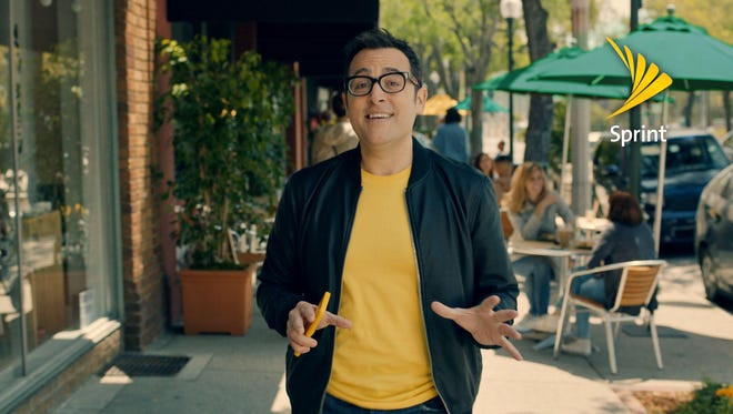 "Verizon's former ""Can you hear me now"" guy now works for Sprint"