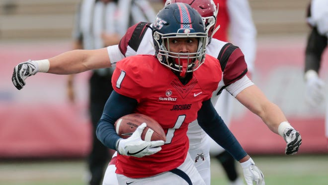 South Alabama receiver Josh Magee runs with the ball during the Jaguars' 35-28 win over Nex Mexico State on Dec. 3, 2016.