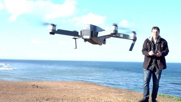 Jefferson Graham operating the Mavic Pro drone in Palos