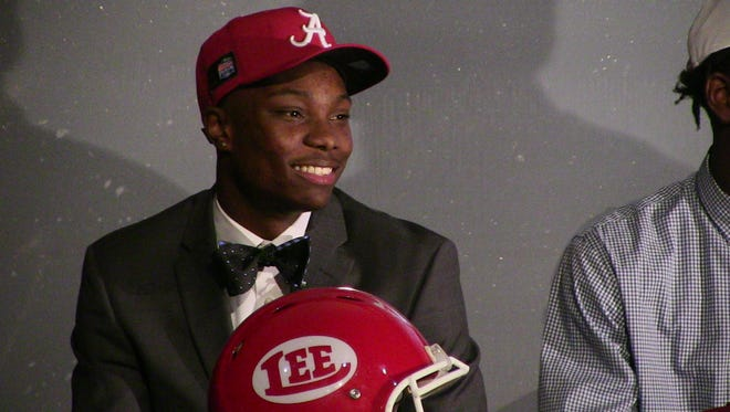 Lee wide receiver Henry Ruggs. III signed Wednesday with the University of Alabama on National Signing Day.
