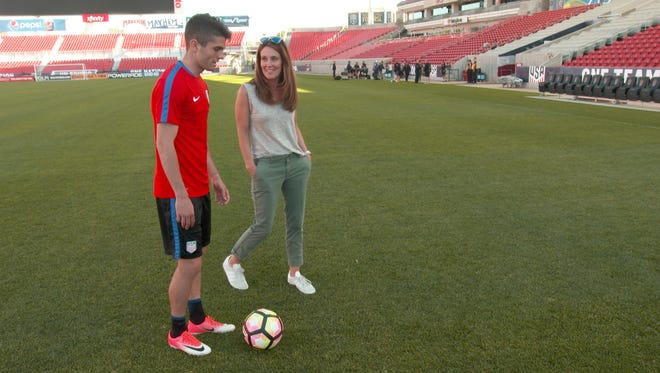 Hershey native Christian Pulisic talks with Sharyn Alfonsi of CBS' 60 Minutes.