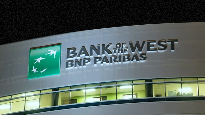 Bank of the West has unveiled a Tempe office that could bring up to 1,000 jobs.
