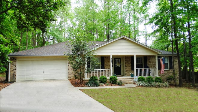 :  This home in Lakeshore Estates was listed and sold for $216,000.  This represents the Leon County average sold price in 2017.  It sold in 27 days.