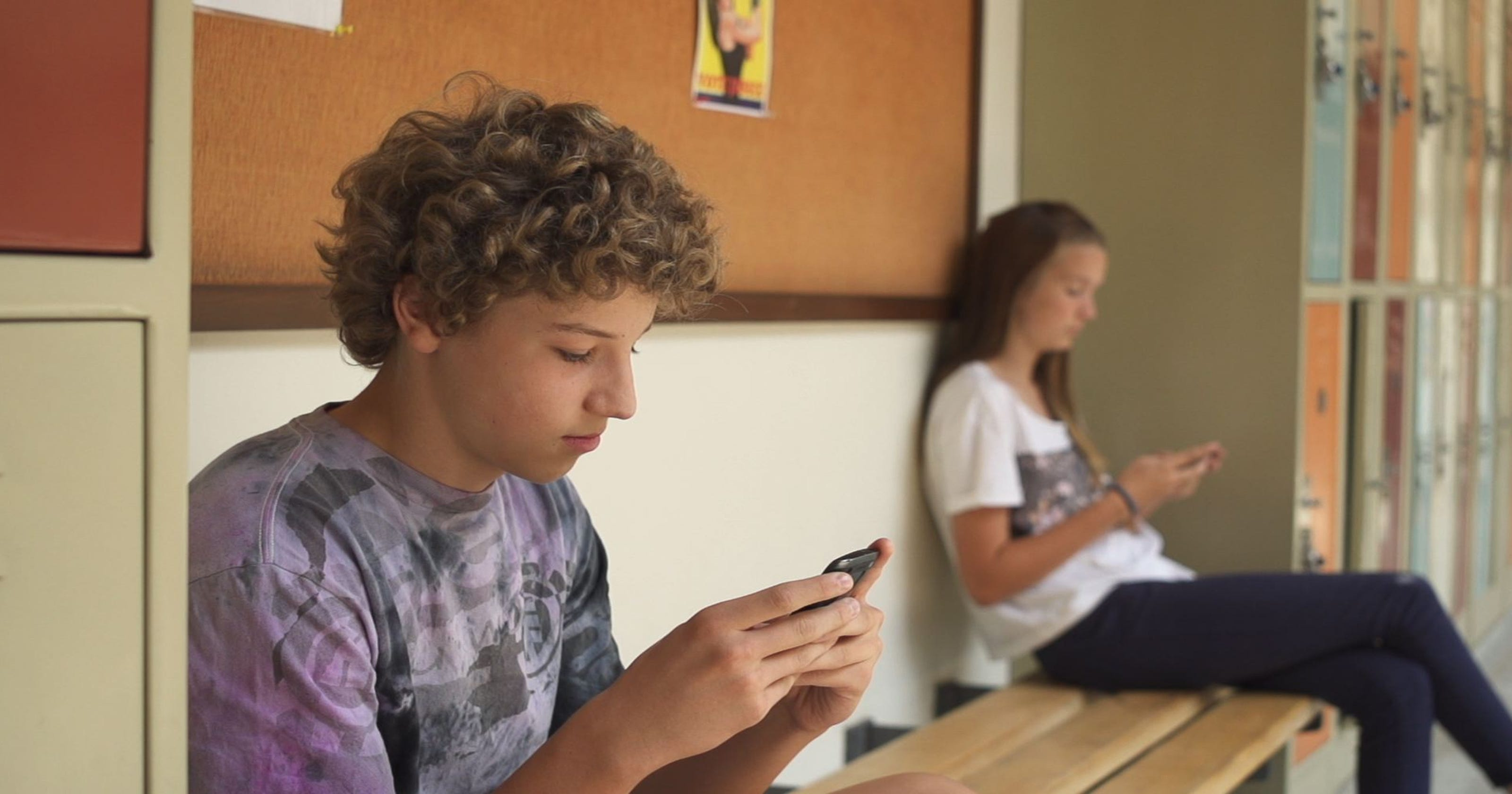 Smartphones at school: Should students have them in classrooms?
