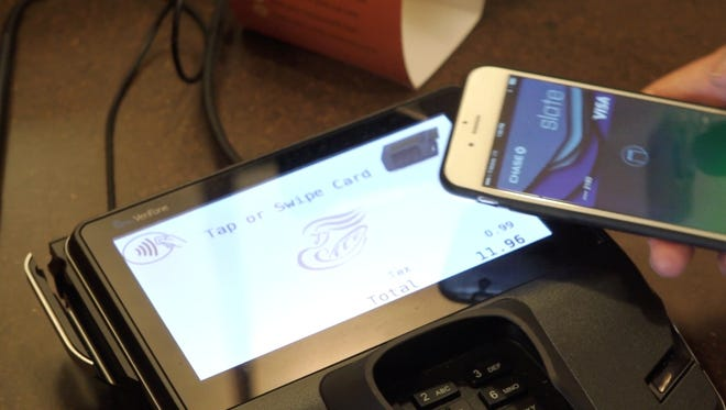 Paying with Apple Pay at Panera Bread