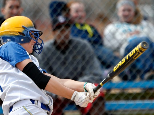 IMG_-Softball_UGF_v_East_1_1_113ODH1T.jpg_20130329.jpg