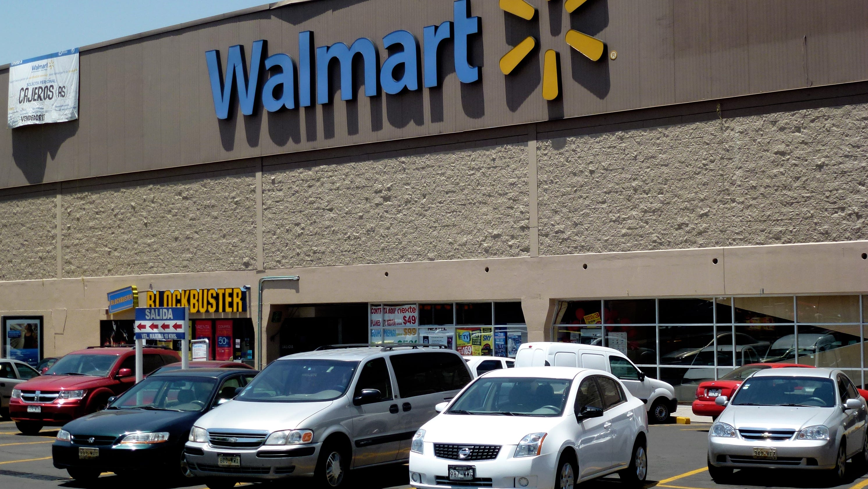 Walmart enters the auto insurance business