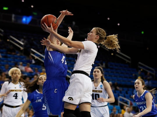 Iowa Hawkeyes guard Makenzie Meyer (3) drives to the hoop against the Creighton Bluejays in the first round of the 2018 NCAA Women's Basketball Tournament Saturday, March 17, 2018 at Pauley Pavilion on the campus of UCLA.