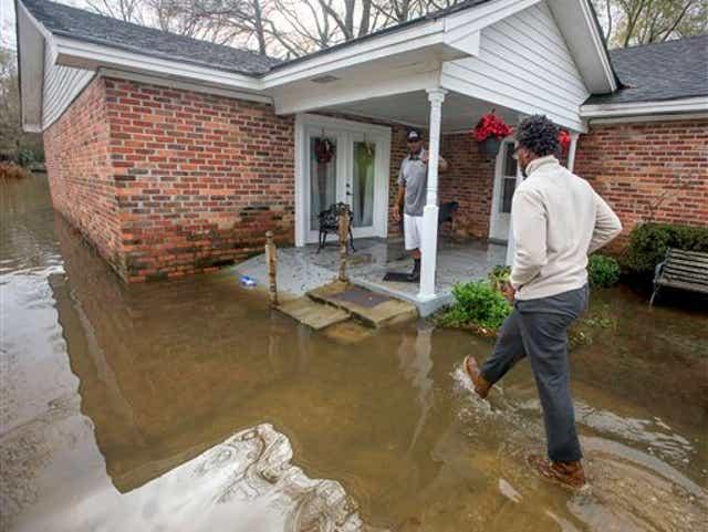 Alabama Tornado Adds To Christmas Storm Woes