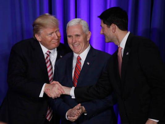 636210982737193615-Trump-Republicans-Roll.jpg