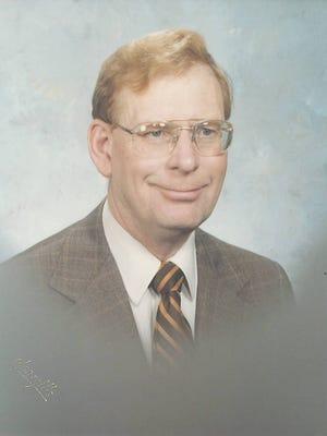 Merritt S. Carlson, Jr., was born on June 11, 1926 in Sioux City, Iowa to Merritt and Esther Carlson.