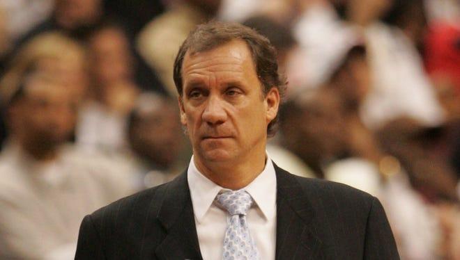 Flip Saunders in 2008 as Pistons head coach.