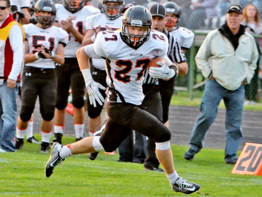 Joseph Clifford on his way to a touchdown.jpg