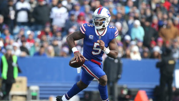 Bills quarterback Tyrod Taylor was pressured much of