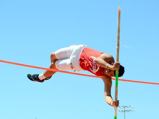 Loving's Miguel Arrieta was second in the boys pole