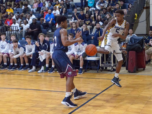 636221031871555412-Carencro.STM.boys.basketball.02.07-3139.jpg