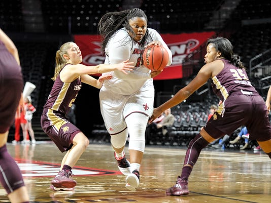 636240803727422932-Cajuns.Texas.State.womens.basketball.03.02-2907.jpg