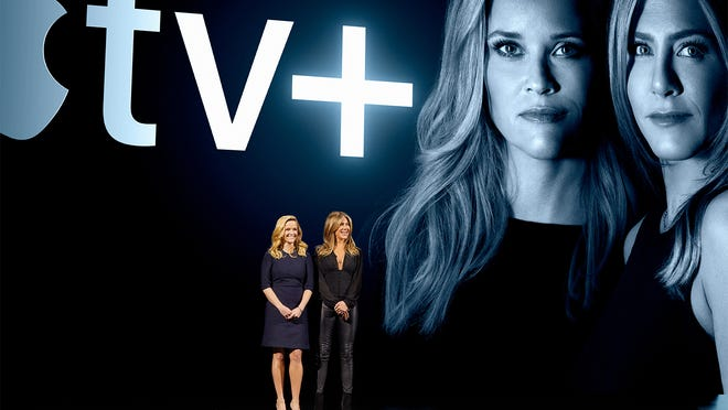 Resse Witherspoon and Jennifer Aniston at an Apple TV+ presentation.