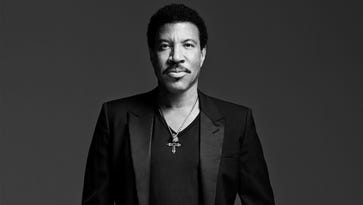 Lionel Richie will receive the Johnny Mercer Award at this year's Songwriters Hall of Fame ceremony.