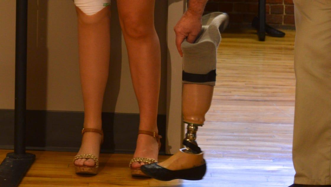 boston marathon victim donates prosthetic leg to amputee