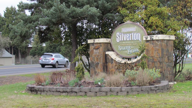 "Sprucing up the ""Garden City's"" gateways has become an aim of the city council, chamber of commerce, urban renewal agency and other civic groups in Silverton."