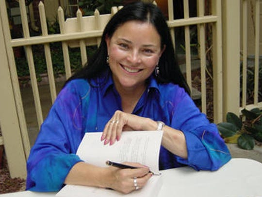 Diana Gabaldon is the only Arizona native to make this