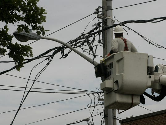 636513363189380672-ASB-freehold-wires-across-road-071614d.jpg