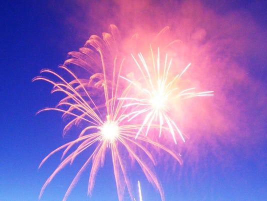 635718758920695138-Fireworks-5