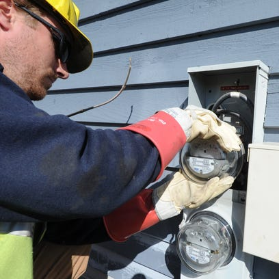 Wisconsin Public Service Corp. is asking to raise electric rates almost 10 percent to offset increasing costs, the utility said.