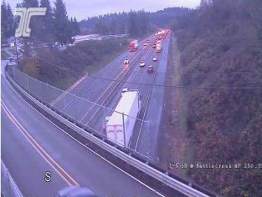 Multiple crashses delaying traffic on I-5 S