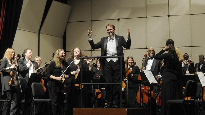 SequoiaSymphony conductor and artistic director Bruce Kiesling leads the orchestra.
