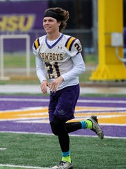 Hardin-Simmons wide receiver Reese Childress runs through