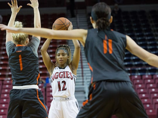Zaire Williams and the New Mexico State women's basketball